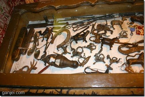 قفل قدیمی قلمدان فولادی